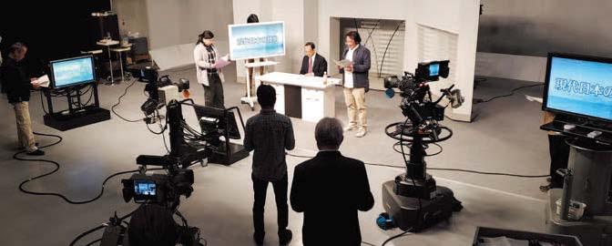 来年度解説する「現代日本の政治」の撮影風景